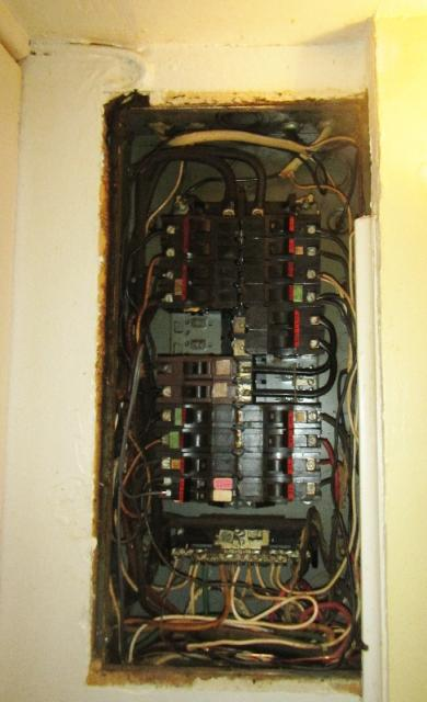 Split Bus Federal Pacific Panel with wiring on wall NCW Home