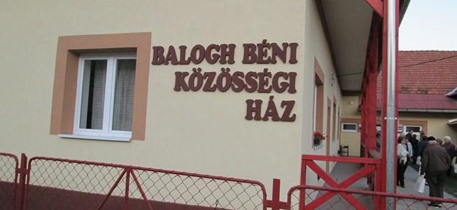 Balogh Béni nevét vette fel a közösségi ház és könyvtár