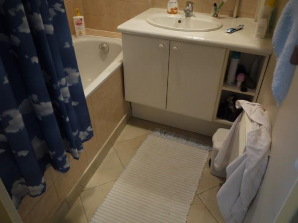 Avant/après  ma salle de bains rénovée du sol au plafond - Les