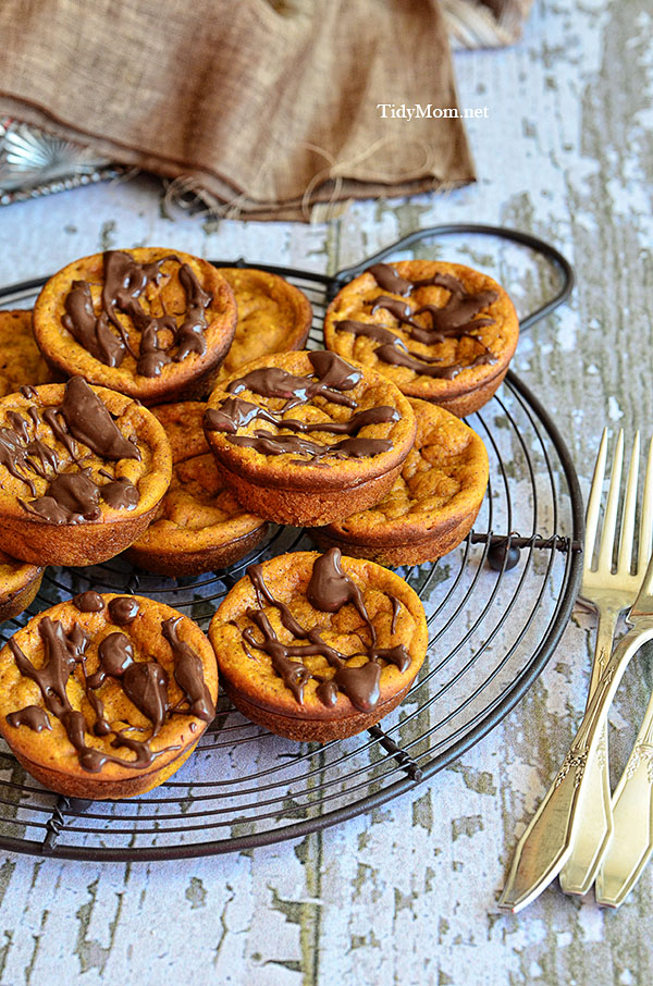 Inside-Out-Mini-Pumpkin-Pies-at-TidyMom