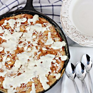pumpkin-dump-skillet-cake-with-white-chocolate
