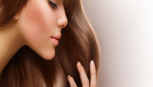 Love Straight hair? Get them with these amazing home remedies for straight hair!