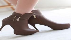 Enjoy trending video of amazing footwear for girls!