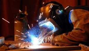 10 routine jobs that are hazardous for eyes