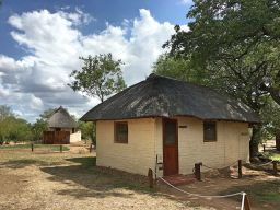 Chalet Hardekool, Africa on Foot