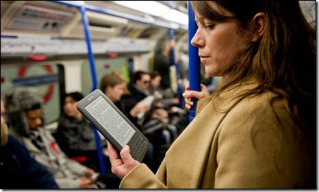 Kindle reading on the Tube / via the Guardian