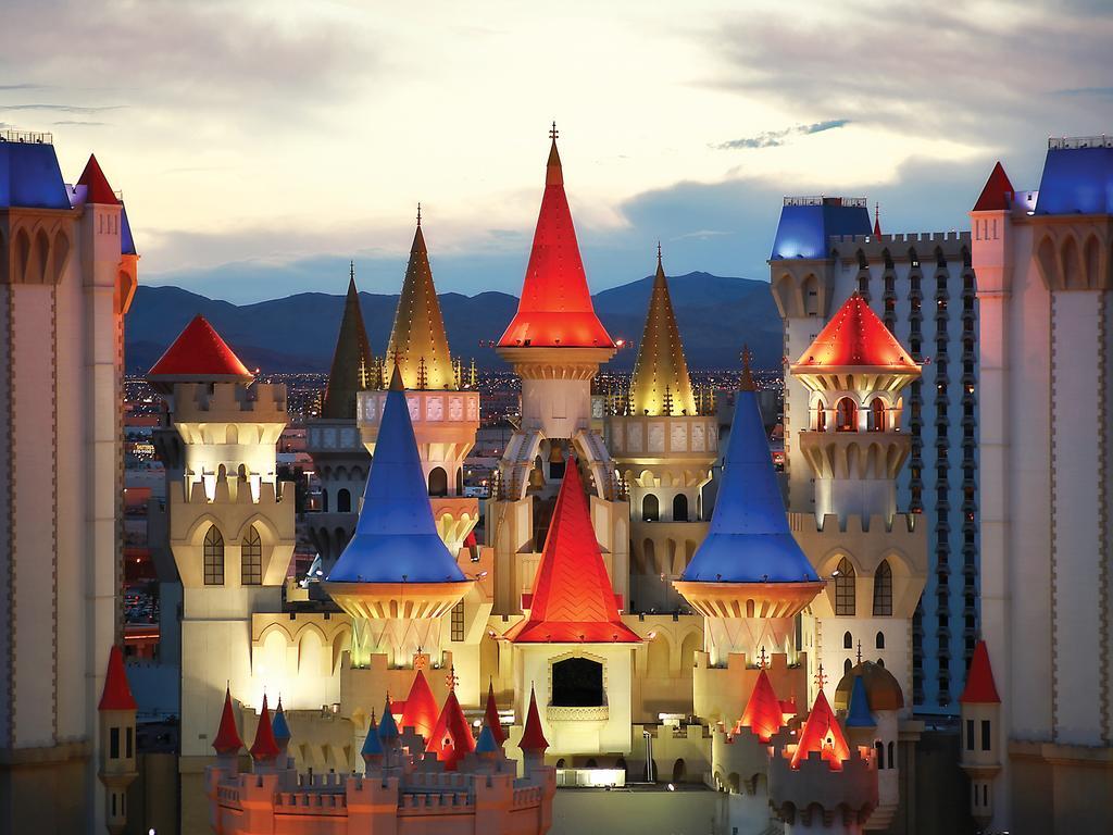 Niagara Falls At Night Wallpaper Excalibur Hotel Amp Casino In Las Vegas Newedentravel Com