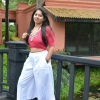 OOTD: Crop Top,White Culottes