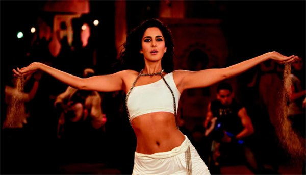 7 Times Katrina Kaif Scorched the Screen With Her Abs, Bollywood Blog