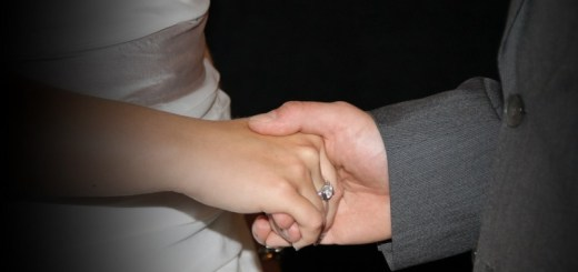 couple holding hands (2)