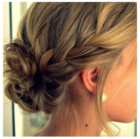 20 chic bridesmaid hairstyles for medium length hair new love times. Black Bedroom Furniture Sets. Home Design Ideas