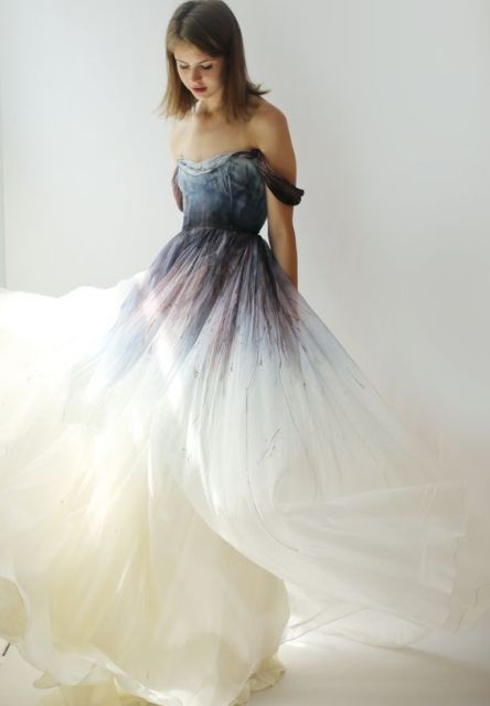 20 gorgeous dip dye wedding dresses you 39 ve ever seen for Dyeing a wedding dress professionally