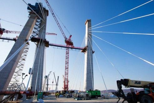 November 16, 2016 - The project team has anchored and tensioned 50 stay cables on the main span.