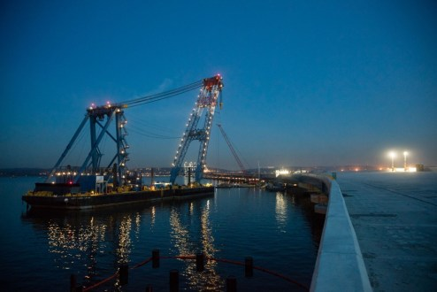 November 28, 2016 - The project's super crane is prepared for overnight operations on the Rockland approach.