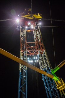 November 11, 2017 - The project's largest crane, dubbed I Lift NY, is used to raise the largest sections of the old bridge.