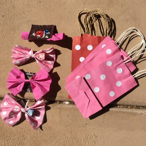 candy hunt treasure hunt bow hunt minnie mouse polka dot bags birthday games
