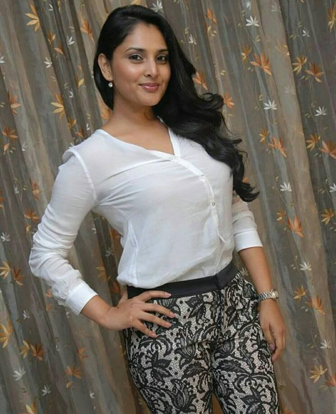 Telugu Quotes Wallpapers Divya Spandana Images 8 News Bugz