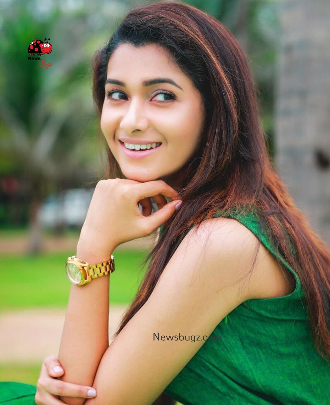 Telugu Quotes Wallpapers Priya Bhavani Shankar Images 15 News Bugz
