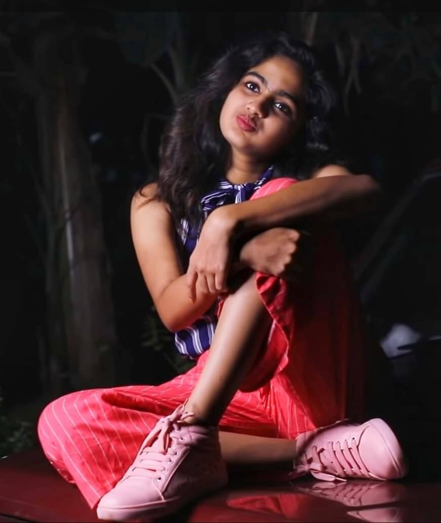 Telugu Movie Wallpapers With Quotes Devika Sanjay 2 News Bugz