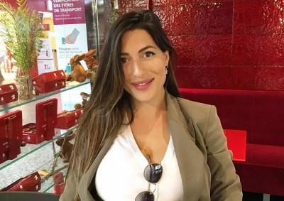 Φλορίντα Πετρουτσέλι: Απολαμβάνει τις βόλτες με την κόρη ...