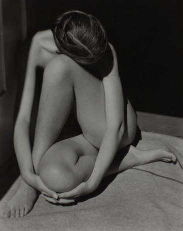 Edward Weston . Nude 1936. © 1981 Center for Creative Photography, Arizona Board of Regents.