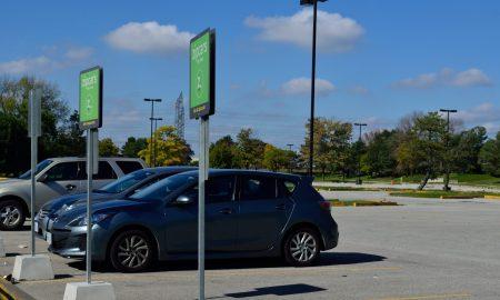 zipcar, parking lot
