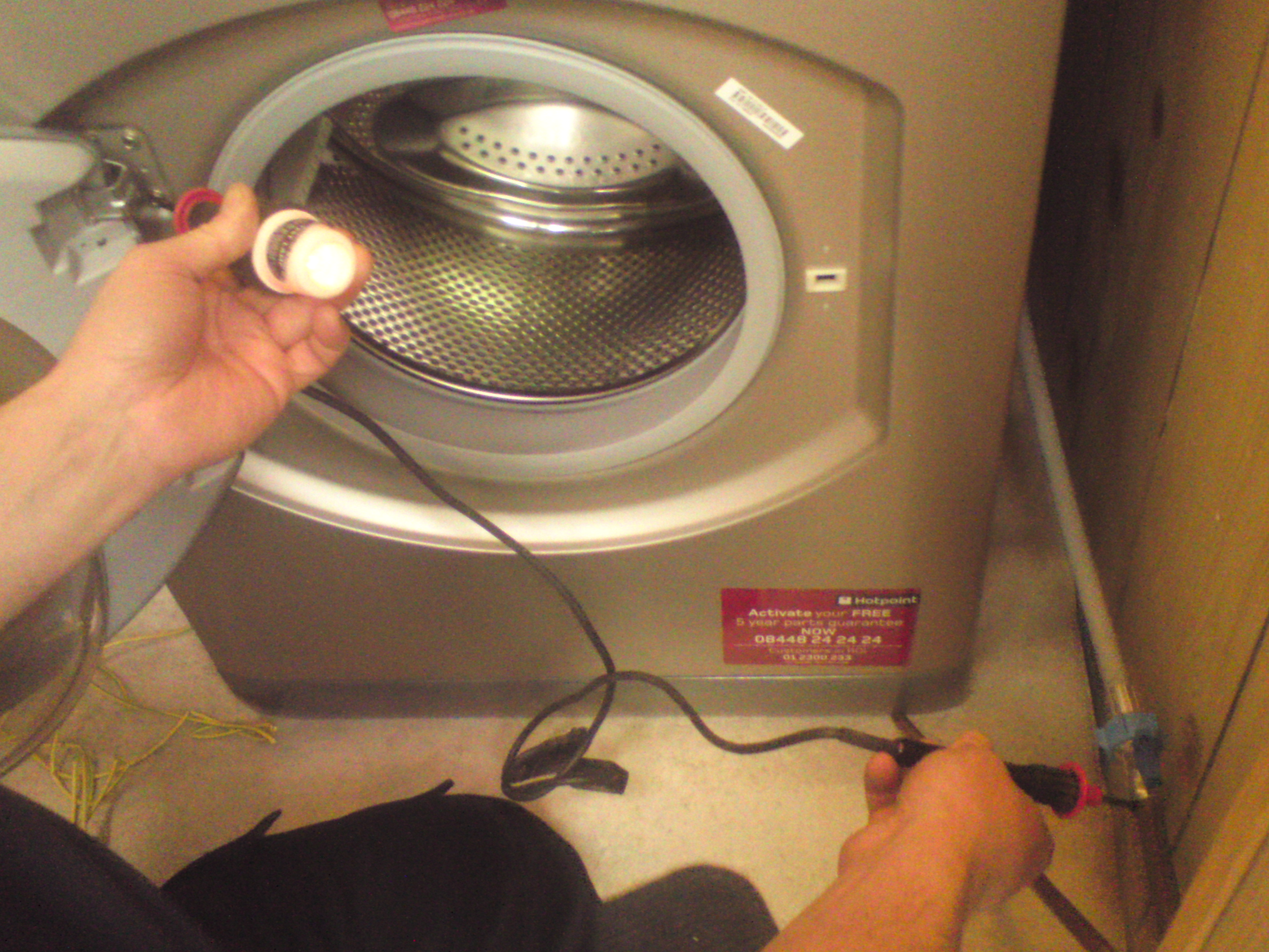 Electrical Test And Inspection Dangerous Wiring Re Light Rose The Lamp