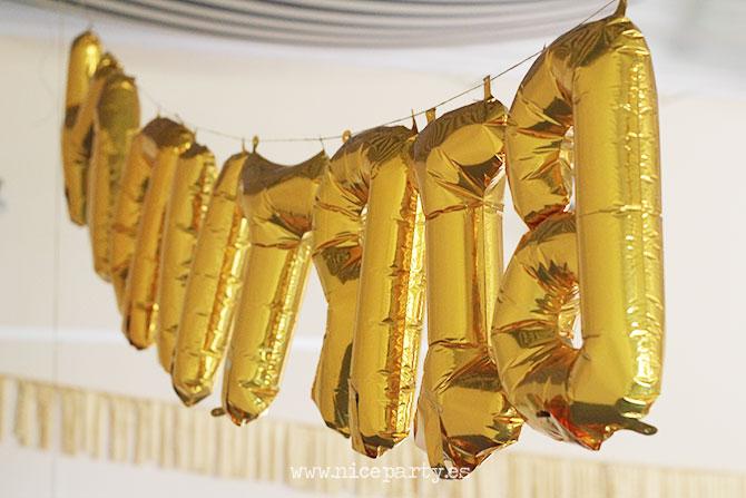 Nice Party fiesta 70 cumpleaños decoración y mesa de dulces dorado (13)