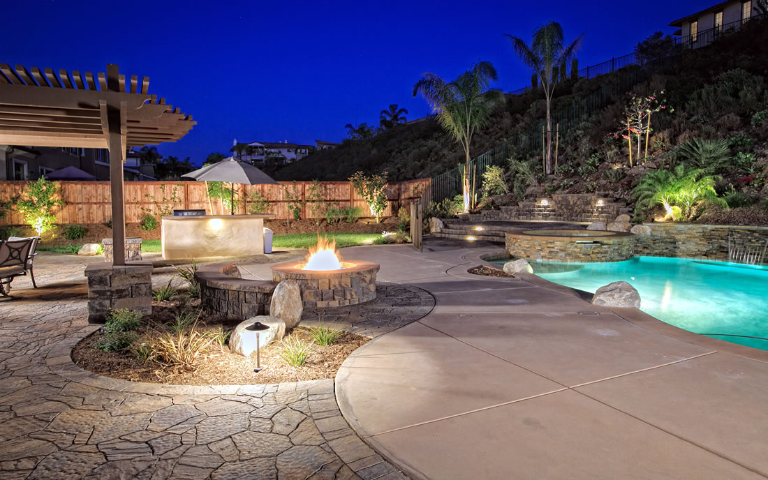 Outdoor Living Spaces W Pool And Outdoor Kitchen Gallery