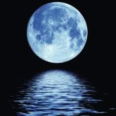 """moon3 300x300 240x240 Kosmisch weerbericht """"Zwanger zijn van de nieuwe mens""""  Yvonne Weeber"""