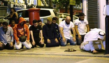 britain-pedestrians-struck.jpg