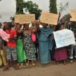 widows protesting