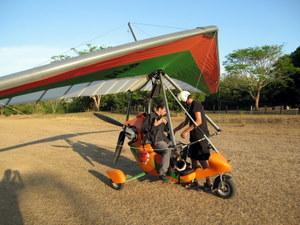 Ultraleicht Flieger der Flying Crocodiles in Costa Rica. Nähe Samara. Foto: www.nikkiundmichi.de