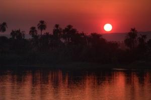 Sonnenuntergang am Nil. Das Ende der Nilkreuzfahrt in Luxor. Foto: www.nikkiundmichi.de