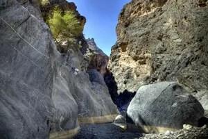 Malerische Nebenschlucht des Wadi Bani Awf. Foto: www.nikkiundmichi.de