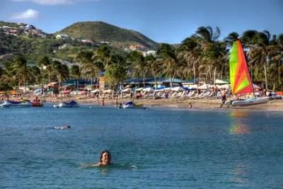 Frigate Bay, St. Kitts - der beliebteste Strand der Insel.