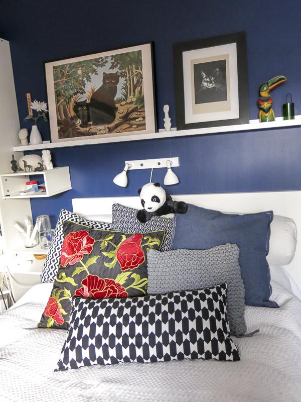 pillows, bedroom