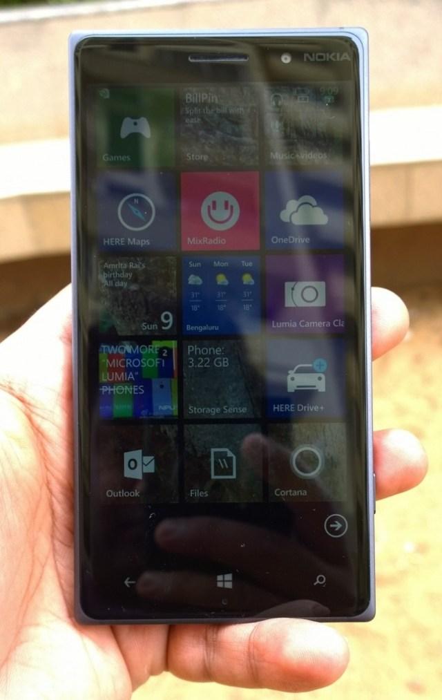 Lumia 8309 front NPU