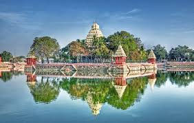 Tourist Places to visit in Madurai - Vandiyur Mariamman Tank and Temple