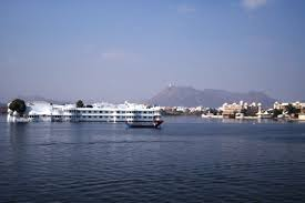 Tourist places to visit in Udaipur - Fateh Sagar Lake