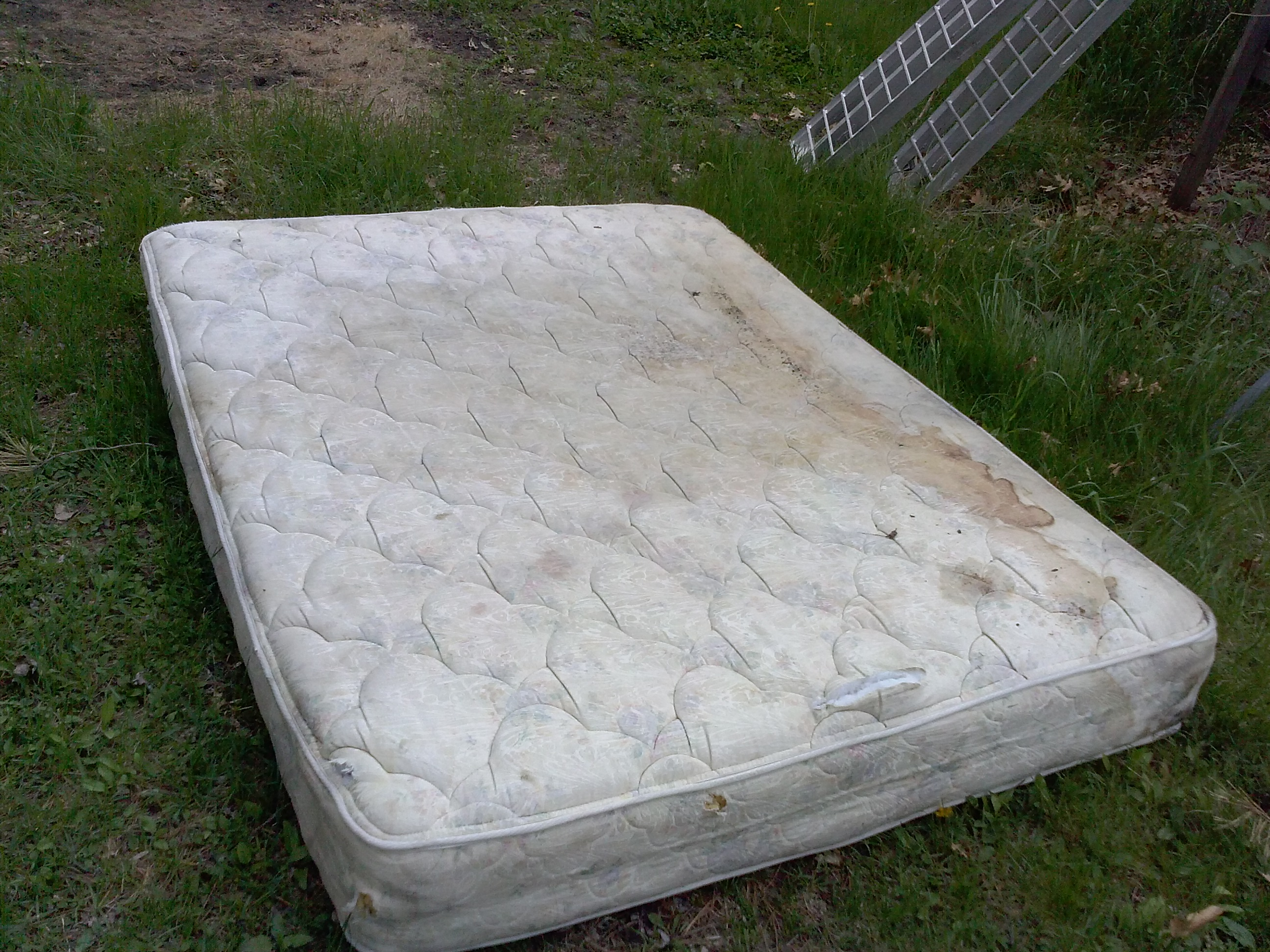 Image Gallery old mattress