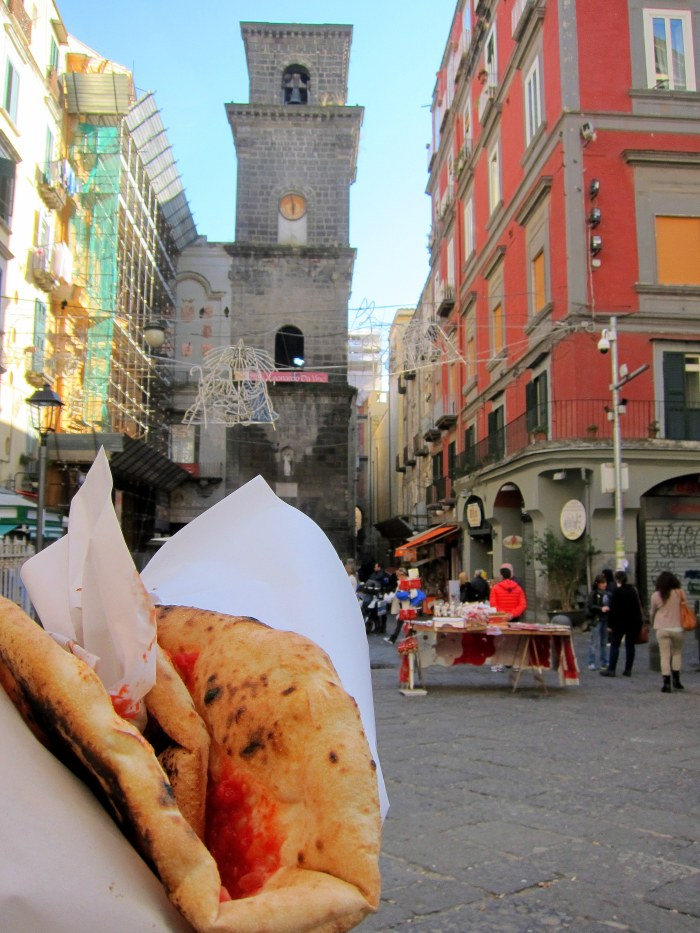 eating cheap in Naples
