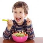 Cómo conseguir que mi hijo coma sano y esté contento