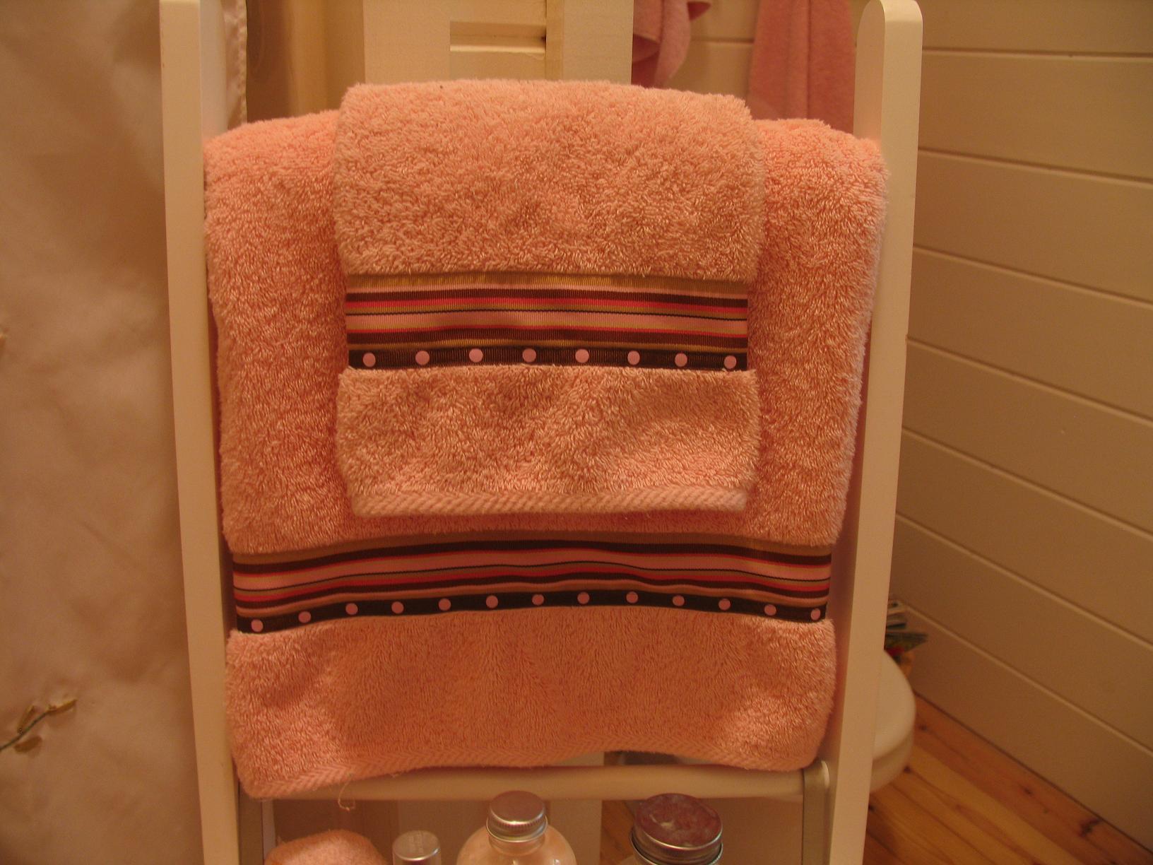 Decorative Towels Bathroom Towels And Bathroom Towel Display