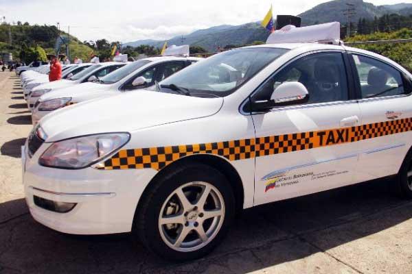 mision-transporte-entrega-913-taxis-en-el-pais