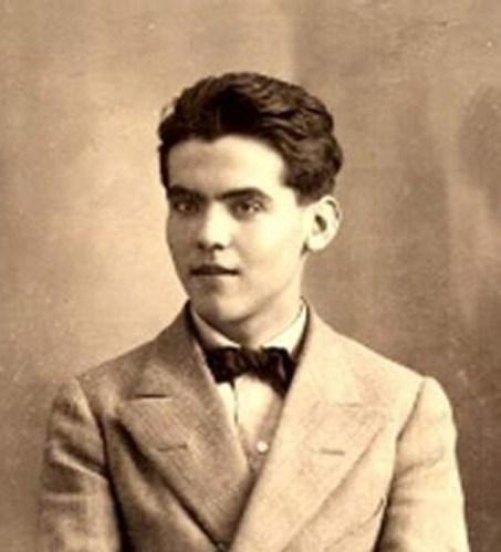 ... de poemas la realizó en 1928 junto con el Romancero gitano , donde