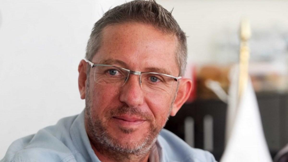 James Tobin solicitó registro como diputado independiente para el distrito 4 de Quintana Roo