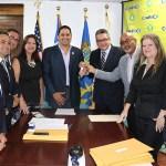 Municipio de  Arecibo Firma Alianza Para Incentivar la Vivienda