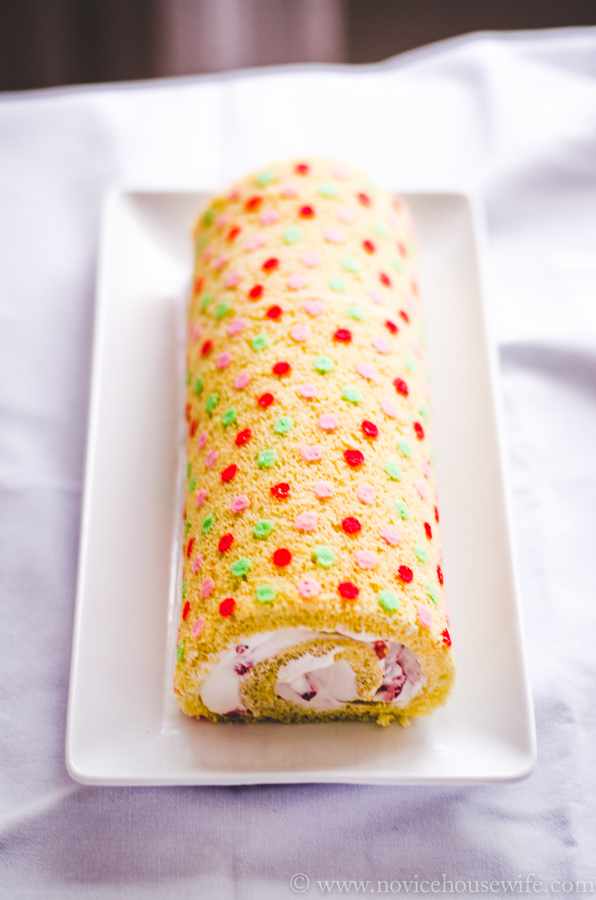Patterned Cake Roll: A video tutorial | The Novice Housewife