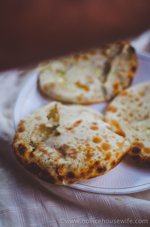 Amritsari Kulchas with step by step photographs | The Novice Housewife